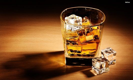 Whisky pe stânci